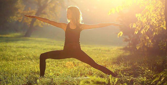 Гимнастика цигун с Ли Холденом не займет много времени, но она освежит тело, предупредит многие болезни и наполнит энергией.
