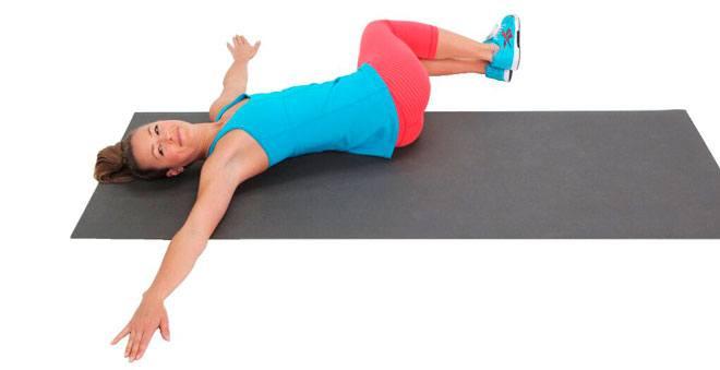 Скручивания лежа на спине по методике Бубновского