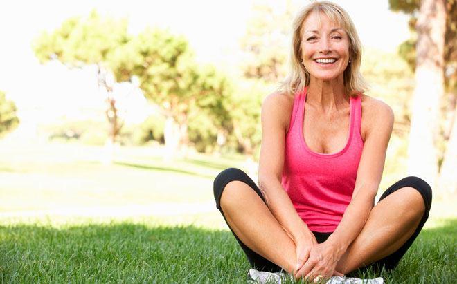 Возьмите в привычку тренировки, чтобы выглядеть чувствовать себя моложе своих лет.