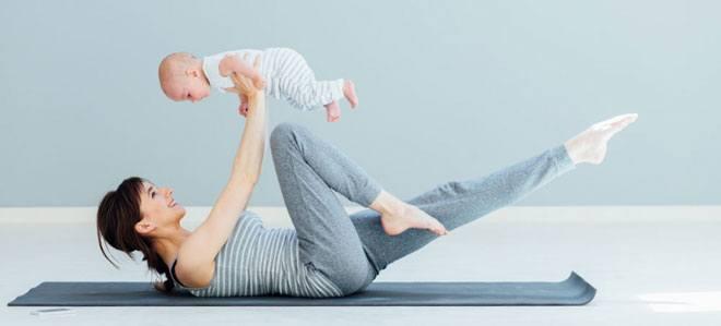 начинать упражнения после родов нужно постепенно, с самых простых, тратя на них всего по 20-30 минут в день.
