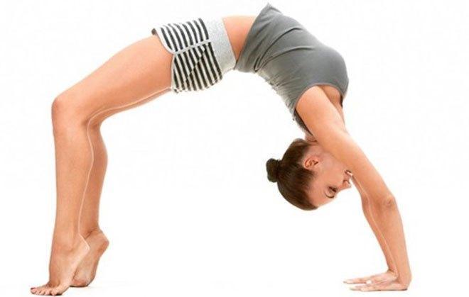 При выполнении упражнения работают не только ягодичные мышцы, но также мышцы поясницы и бедер.