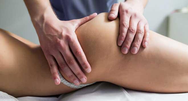 Фаворитом является ручная техника массажа. Большинство девушек отдают свое предпочтение силе и теплу человеческих рук, нежели аппаратным методам.
