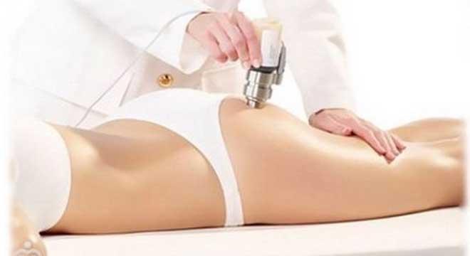 В процессе этой процедуры инъекции выполняются очень тонкими иглами, поэтому не травмируют кожу.