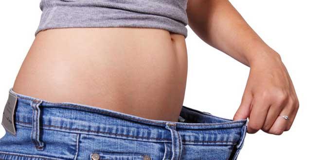 Сладкое, выпечка, копчености, полуфабрикаты – на диете под строгим запретом.