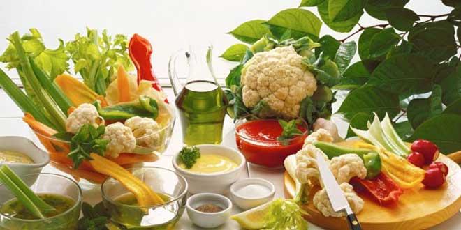 Специалисты рекомендуют не отказываться от белка полностью, а употреблять его в минимальном количестве каждый день.