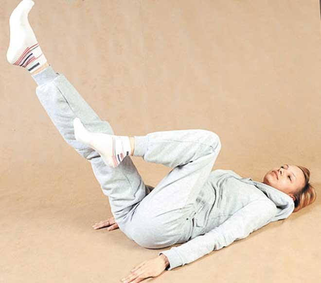 Обязательными терапевтическими составляющими при лечении этой серьезной болезни являются ЛФК или лечебная гимнастика.