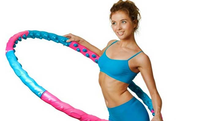 вращениВращение обруча способствует укреплению мышц спины, к тому же занимаясь вы следите за осанкой.е обруча способствует укреплению мышц спины, к тому же занимаясь вы следите за осанкой.