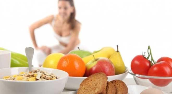 Увеличив количество приемов пищи и уменьшив объем порции, вы худеете благодаря тому, что тело не успевает — в привычном смысле — проголодаться.
