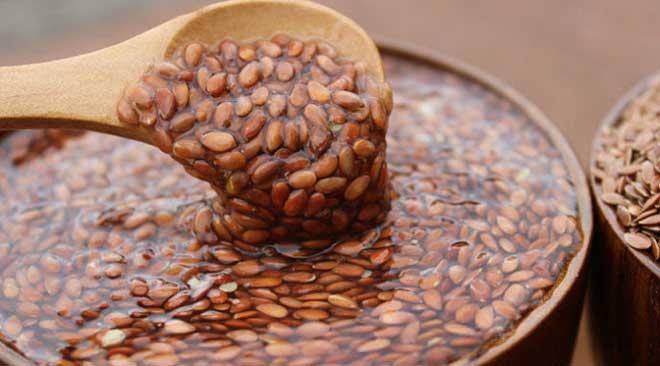 Семена очень полезны для кишечника, потому что помогают вывести из организма токсины, холестерин и канцерогены, а также способствуют более быстрой усвояемости пищи.