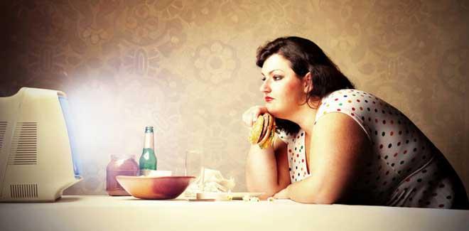 Обычно вечером есть хочется сильнее, чем в течение дня. Но объедаться, ни в коем случае нельзя.