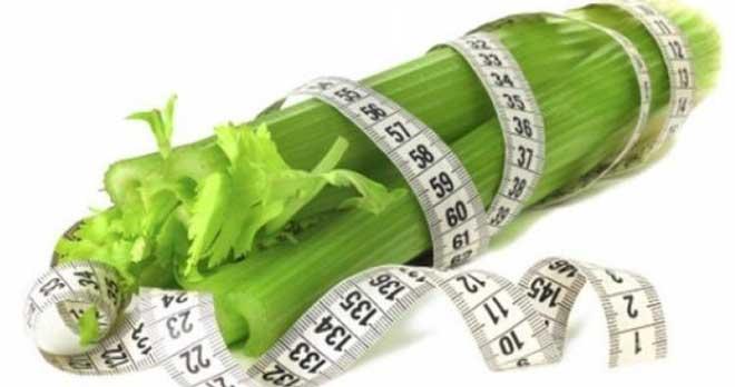 Даже если у вас нет проблем с лишним весом, то сельдереевая диета все равно может стать отличной идеей, она поможет отчистить организм от шлаков и токсинов.