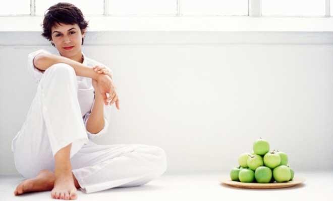Стоит употреблять больше клетчатки и кефира или другой кисломолочной еды.