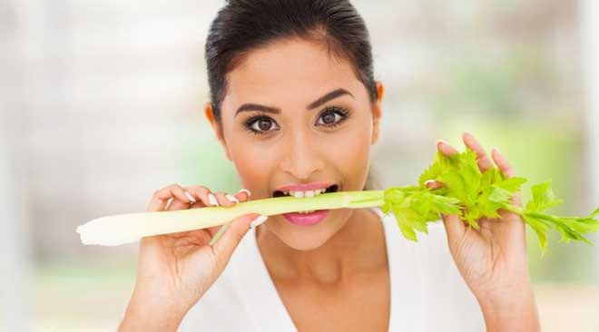 Аллергия на сельдерей встречается крайне редко, поэтому этот овощ можно рекомендовать всем и каждому.