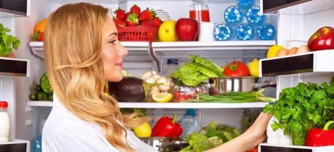 Покупные завтраки: сухие смеси, каши быстрого приготовления. В них мало полезных веществ, но много сахара.