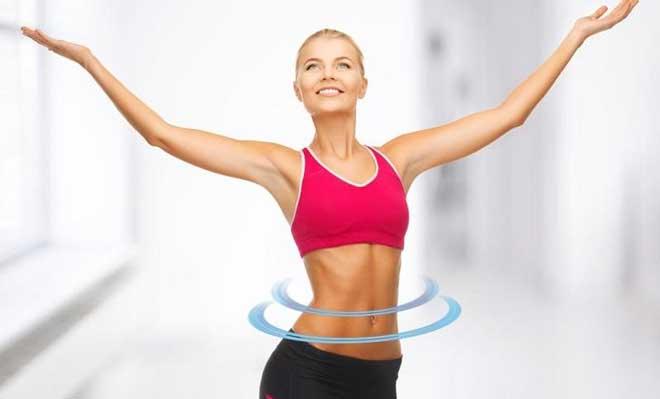 В период ускоренного жиросжигания крайне важно следить за состоянием кожи, увлажнять ее, делать маски, антицеллюлитный массаж несколько раз в неделю.
