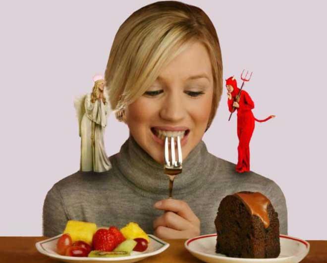 Кушайте сладости спустя 60 минут после основной трапезы — этот шаг даст организму время на усвоение основной пищи.