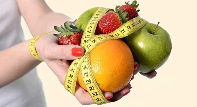Фруктовая диета считается достаточно строгой, но переносится она легко благодаря природному сахару – фруктозе, так что даже сладкоежкам худеть станет намного легче.