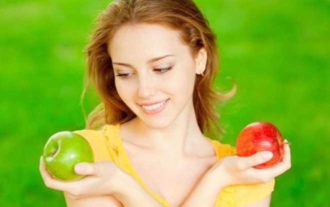 Помимо любимого всеми фруктового салата можно приготовить пюре, желе или сорбет из фруктов и ягод, а также множество других вкусных и полезных блюд.