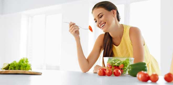 При составлении меню используйте свои любимые овощи. Следите, чтобы оно было максимально разнообразным, тогда организм будет получать весь спектр витаминов.
