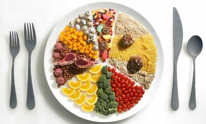 Переход на раздельное питание способствует уменьшению веса и улучшению общего самочувствия.