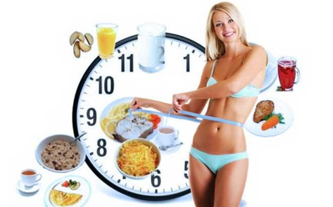 Чтобы заглушить чувство голода, можно выпить стакан воды. А попозже приготовить вкусное блюдо и с удовольствием и здоровым аппетитом его съесть.