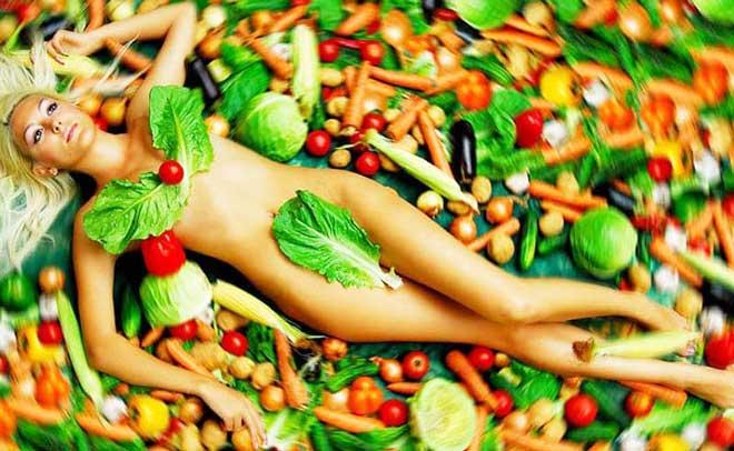 Овощная пища богата клетчаткой и пектинов, которые стимулируют работу кишечника, улучшают его функцию.