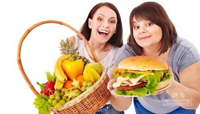 Ужин должен содержать преимущественно белки. Например, нежирный творог, запеченное мясо курицы или рыба на пару.