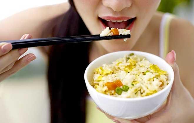 В рисе содержится большое количество аминокислот, витаминов и минеральных веществ.