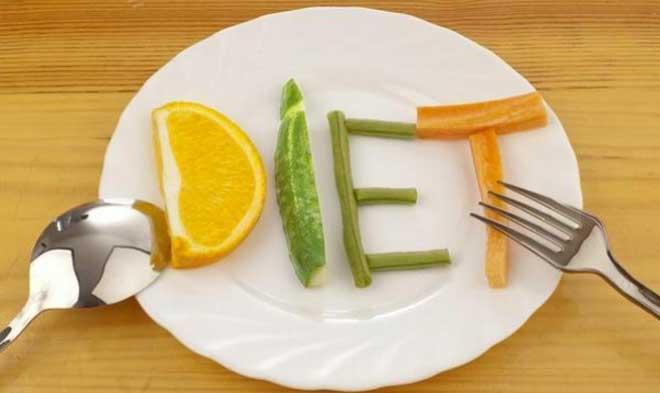 Лишний вес часто появляется именно от бесконтрольного употребления быстрых углеводов без физических нагрузок.
