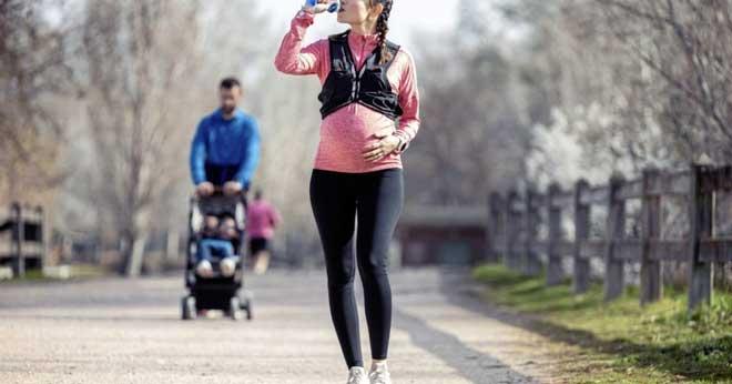 При спокойном беге, сопровождающемся ровным дыханием, клетки организма получают больше кислорода, что благотворно отражается на состоянии ребёнка.