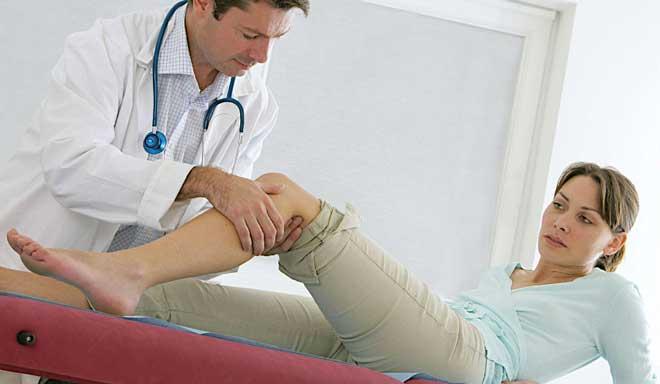 Реабилитация после эндопротезирования тазобедренного сустава — неотъемлемый этап лечения, направленный на восстановление тонуса мышц и функций ноги.