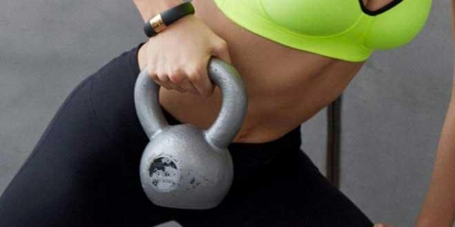 Большинство тренировок с гирями носят взрывной характер, будь то махи или рывок гири. Поэтому, чтобы избежать никому ненужных травм, необходимо использовать правильную технику при выполнении упражнений.